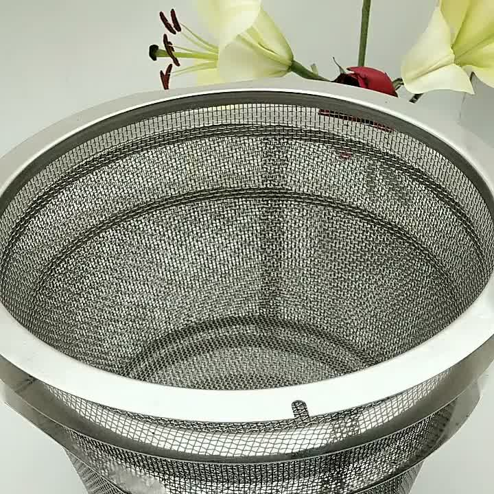 Corrosion resistant stainless steel cleaning wire mesh basket