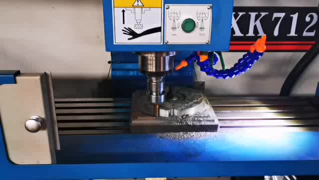 Xh7125 cnc milling machine 3 axis for metal cutting