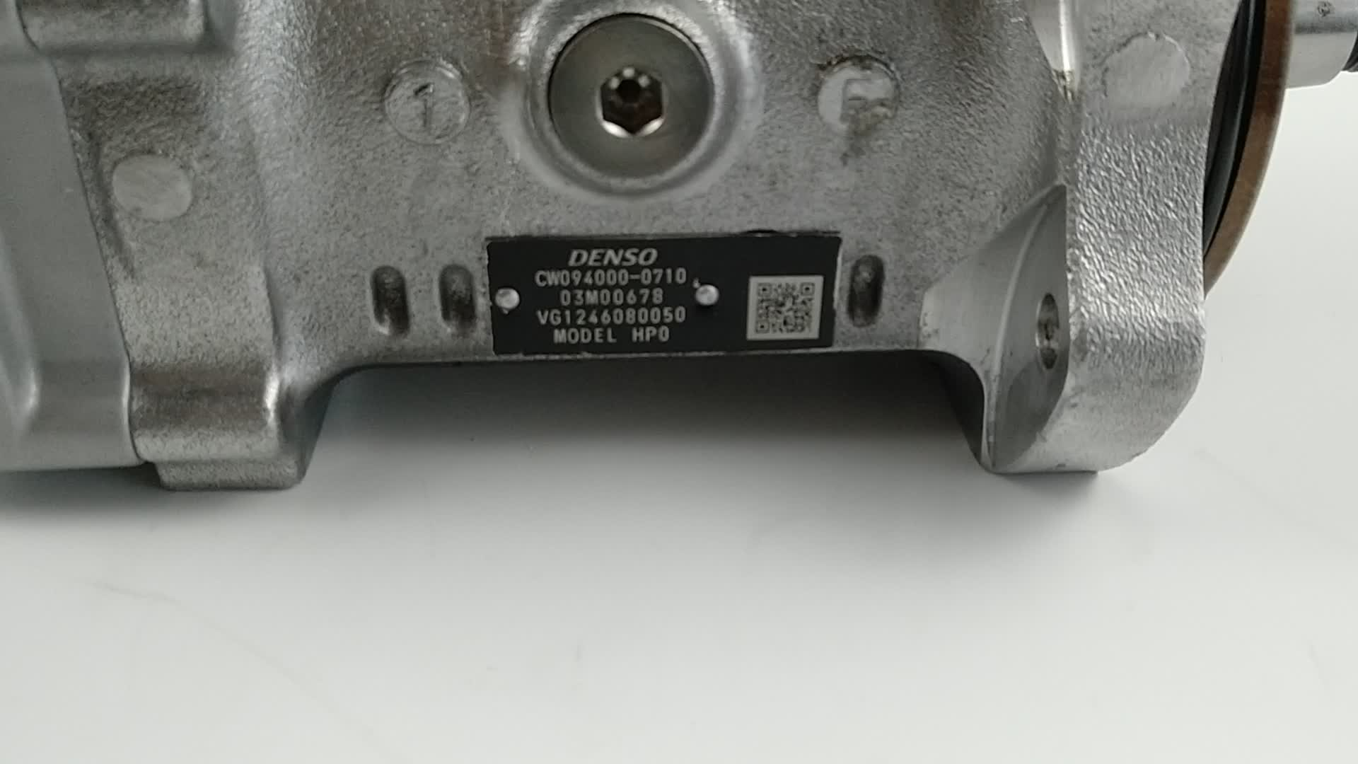 Denso diesel fuel common-rail injection pump 094000-0710 for Sinotruk