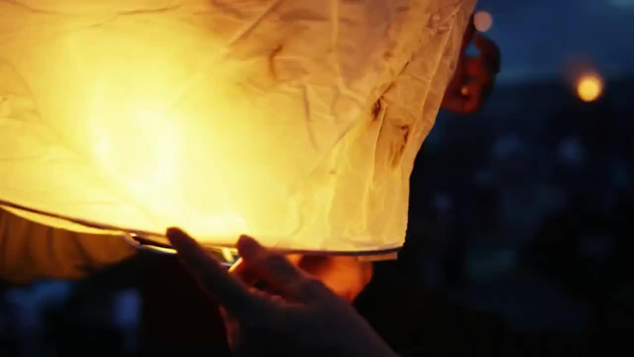 Tahun Baru Biodegradable Eco Friendly Fire Bahasa Portuges Terbang Lampion Terbang Tahan Kertas Bambu Cina Terbang Lampion Terbang