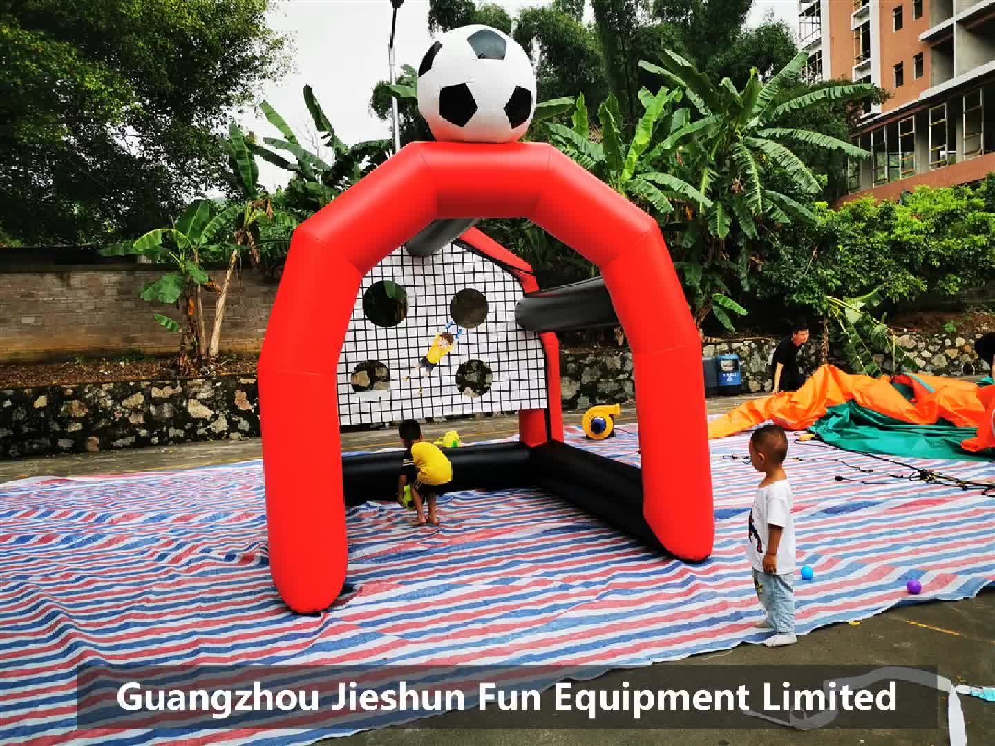 customized design shoot out inflatable football games inflatable soccer ball cage