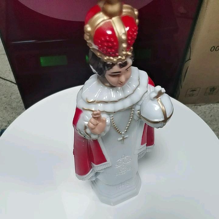 Католическая церковь, христианская религия, светящаяся красочная Люси Фатима, святой дух, декоративная молитвенная ремесла, религиозная статуя