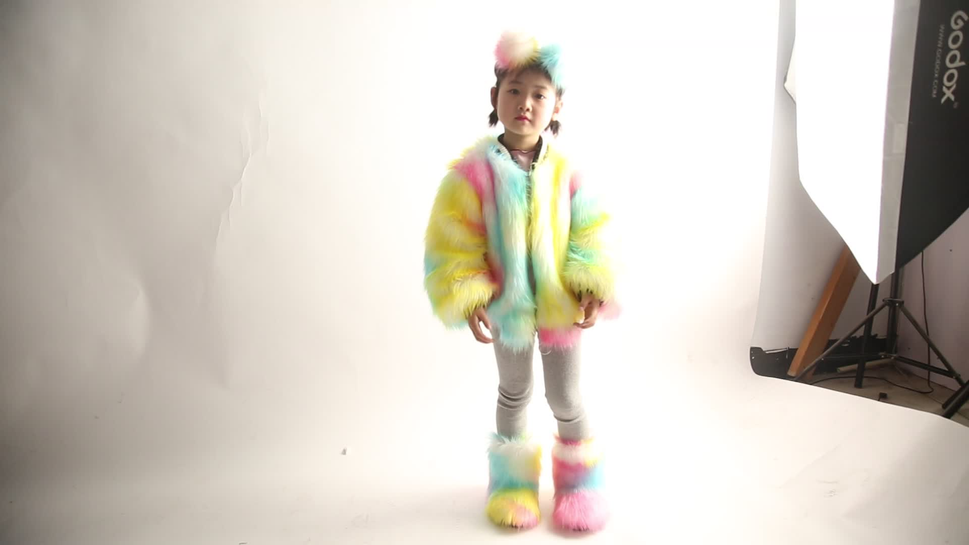 Wholesale price multi color faux snow fur boots for kids with headgear purse skirt