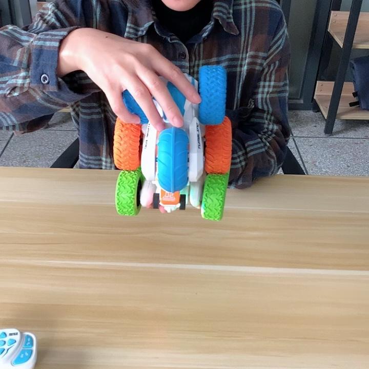 ट्विस्टर प्रोग्रामिंग रेडियो चढ़ाई 360 खिलौना स्मार्ट रिमोट कंट्रोल मिनी स्टंट खिलौने आर सी कार