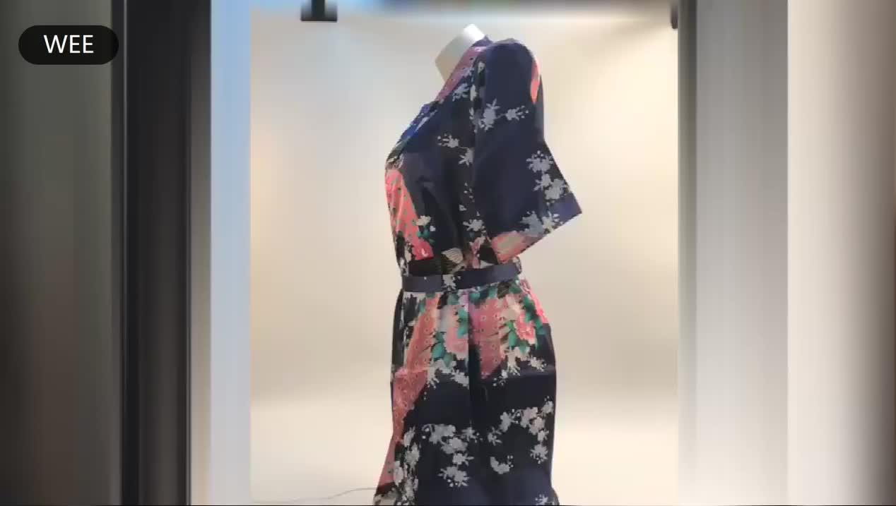 和風着物印刷花ショートサテン女性バスパジャマためのホームウェア