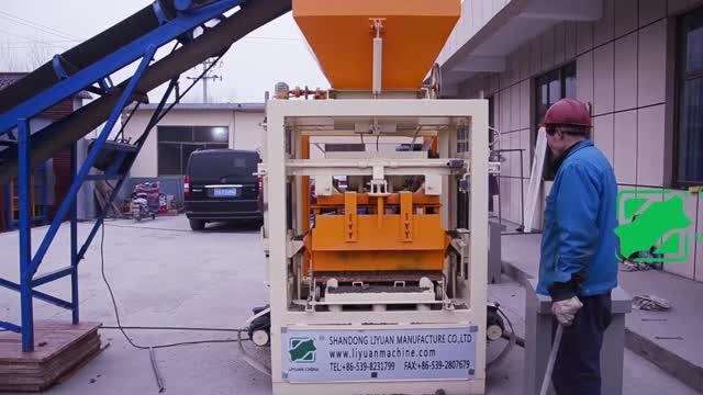 QTJ4-24 semi-automatique bloc de béton brique faisant la machine