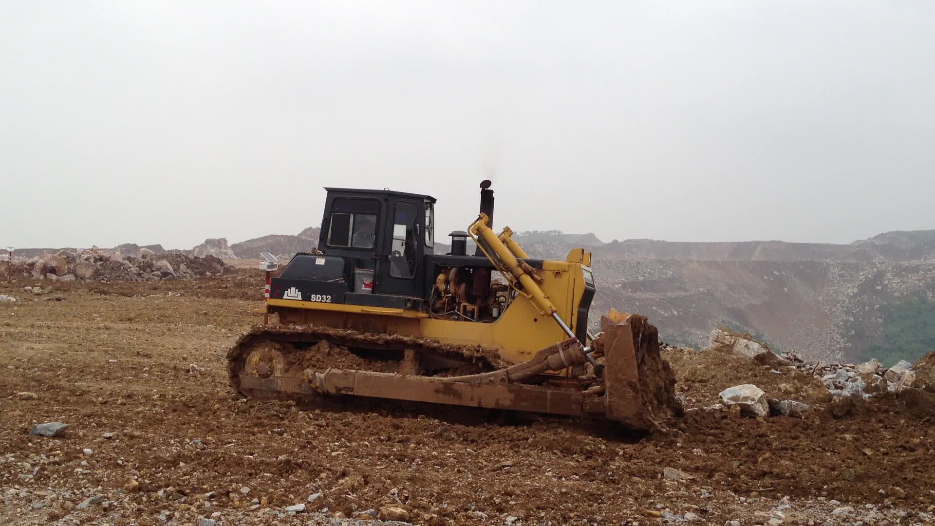 SD22D usou o bulldozer avançado do deserto do preço 26t da escavadora