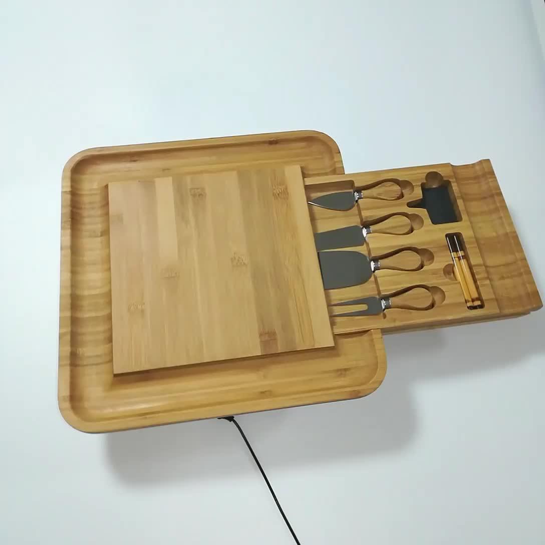 Bambu Keju dengan Peralatan Makan Set