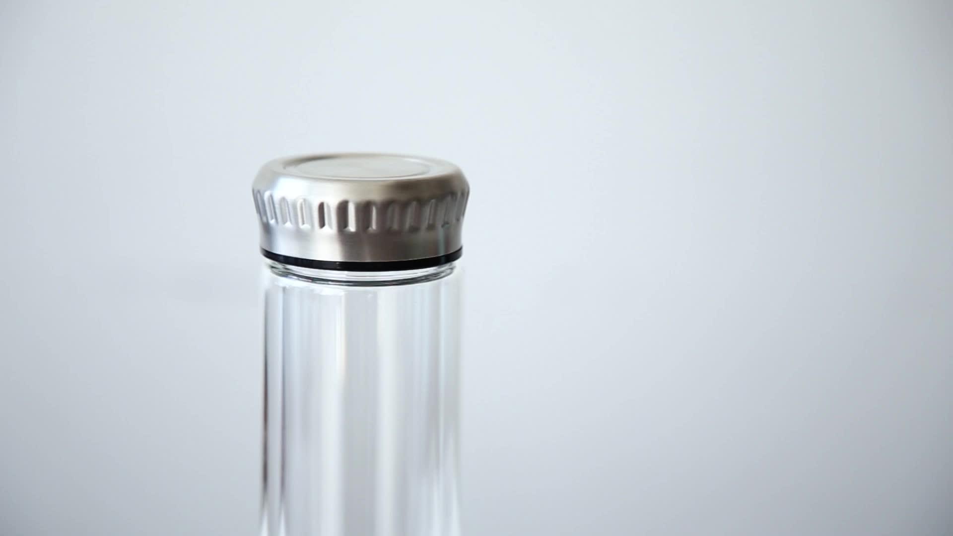 Paslanmaz çelik kapaklı çift duvarlı borosilikat cam su şişesi demlik ile