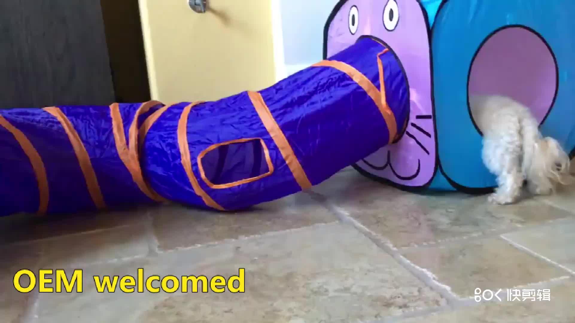 كيتي القط مكعب المنبثقة غير المنسوجة النسيج تلعب لعبة الخيمة مع هوك وحلقة