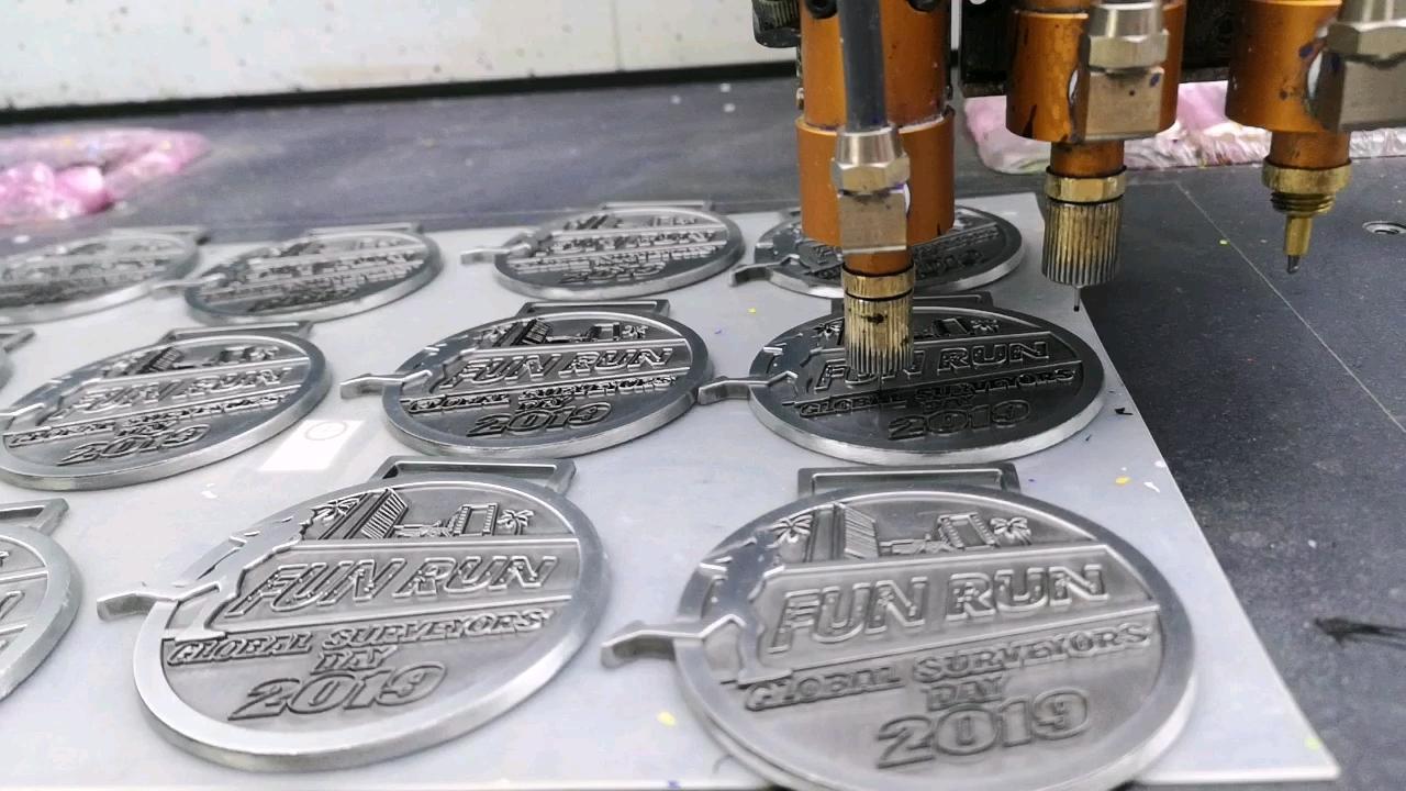 Sheikh Zayed Ve Áo Pin Tùy Chỉnh Làm Mềm Men Huy Hiệu Biểu Tượng Cho Uae Quốc Gia Ngày