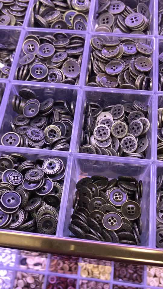 """100 шт 1 """"(25 мм) швейные полимерные пуговицы круглой формы 4 отверстия Ремесло пуговицы для пришивания скрапбукинга и DIY ремесло (светильник синий)"""