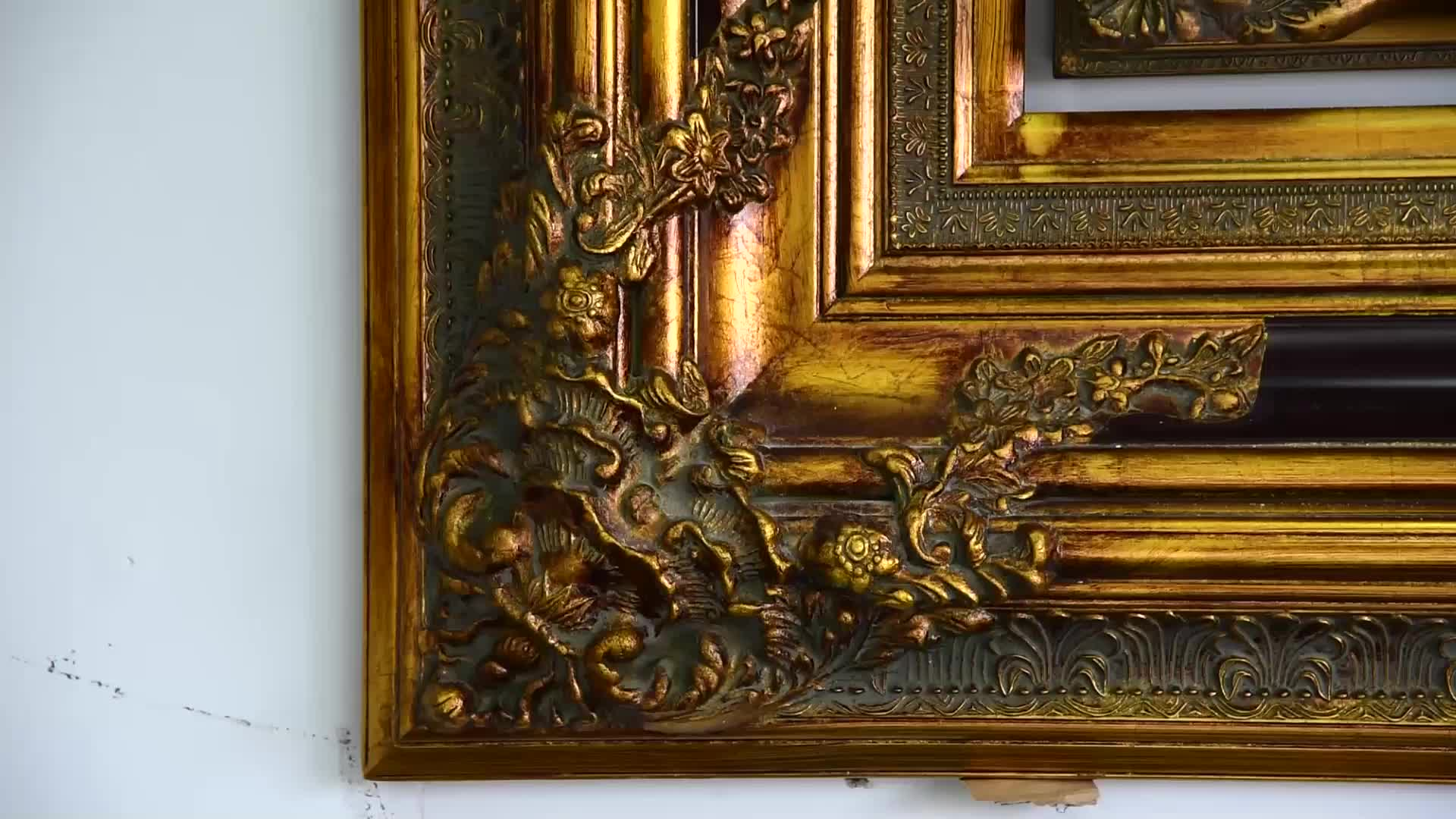 Wall Decorative ornate Wooden Vintage Baroque Vanity framed sliver wall Mirror