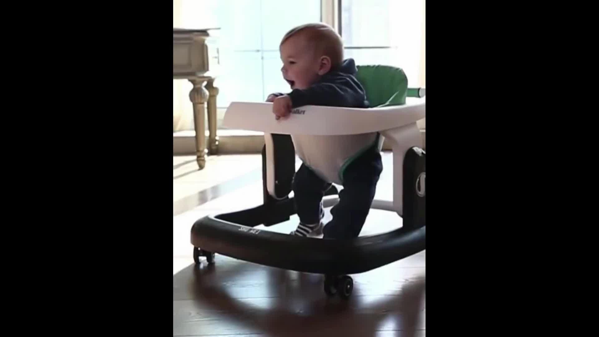 Del bambino del camminatore 4 in 1 bambino camminatori girevole ruote girello multifunzione