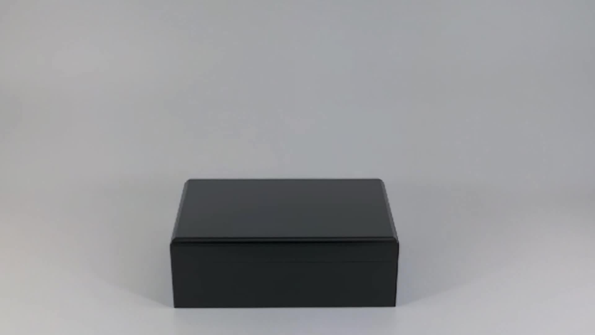 Sonny Humidor Set Black Matte Lacquer Wooden Seal Cigar Box