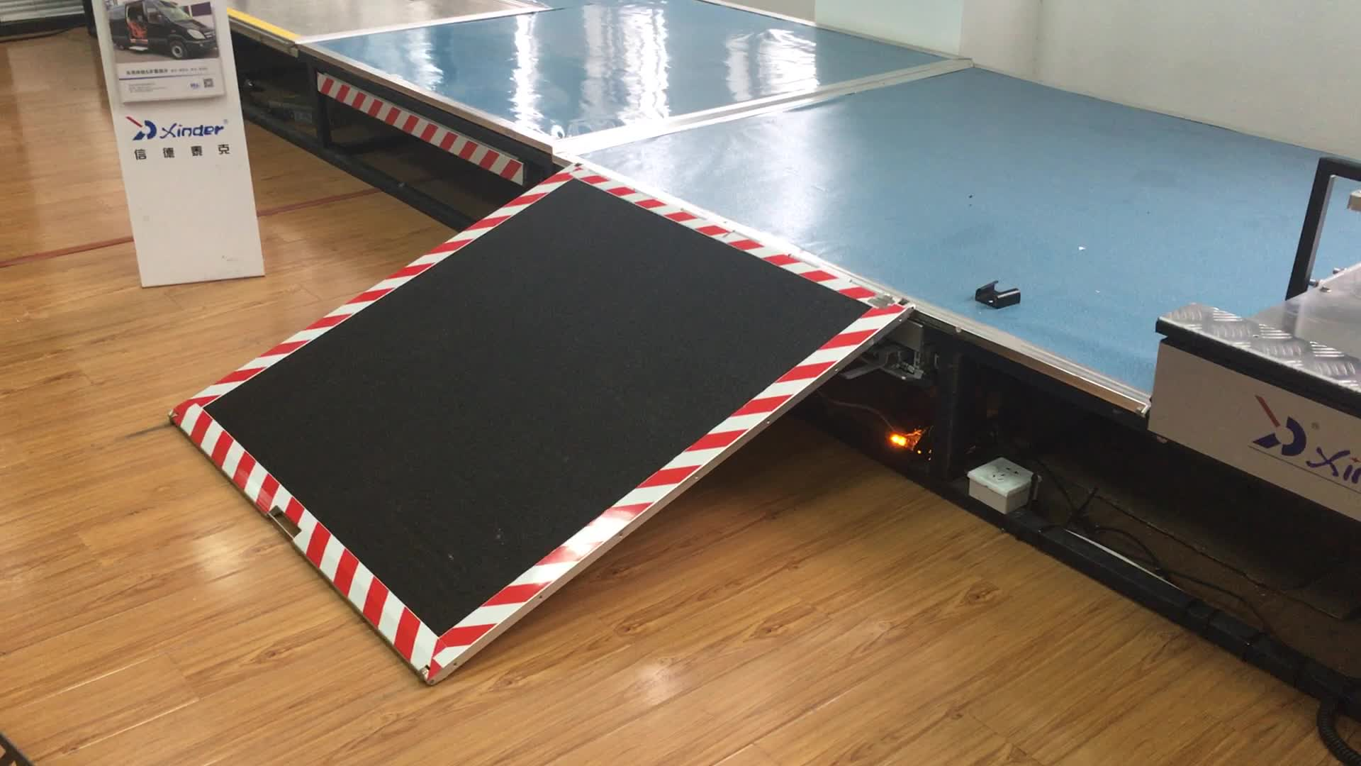 CE EMARK certified aluminum electric wheelchair ramp for bus with 350kg loading capacity