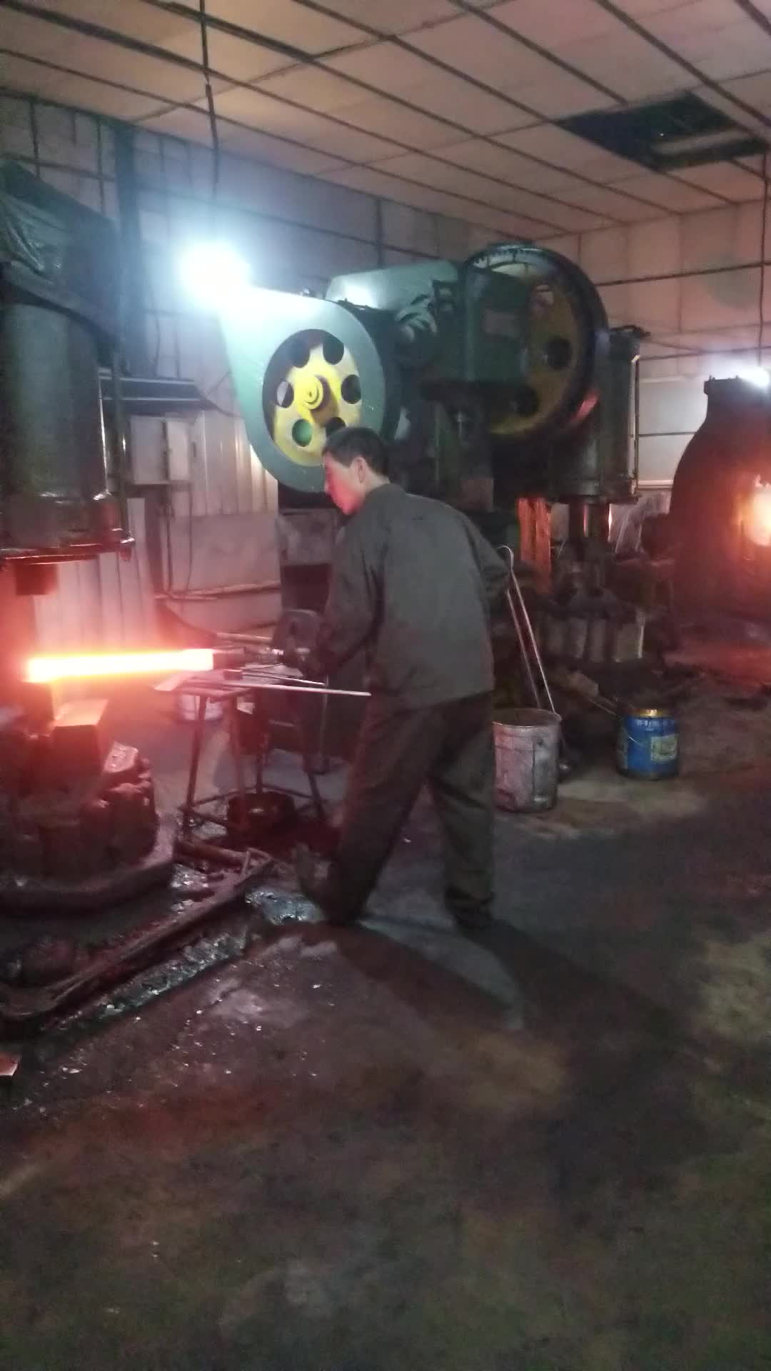 the forged carbon steel railway crowbar