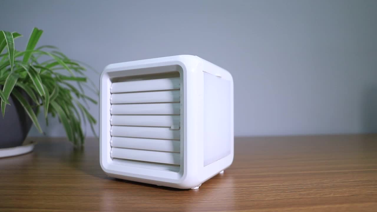7 Different Colors LED Water Cooling System Portable Mini Air Cooler for Home