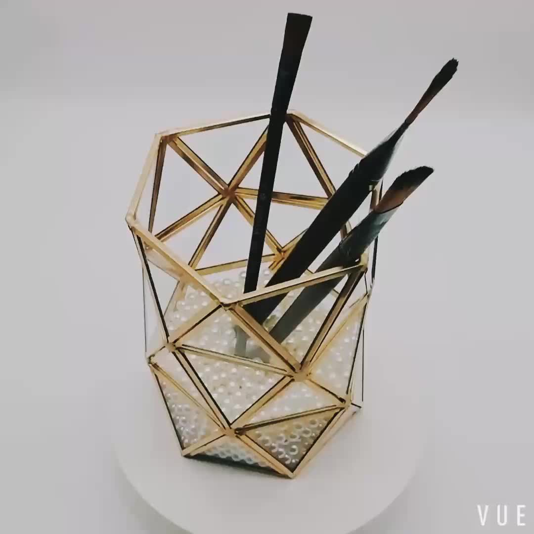 Dust-proof Cosmetic organizer display stand wholesale makeup pearl brush holder