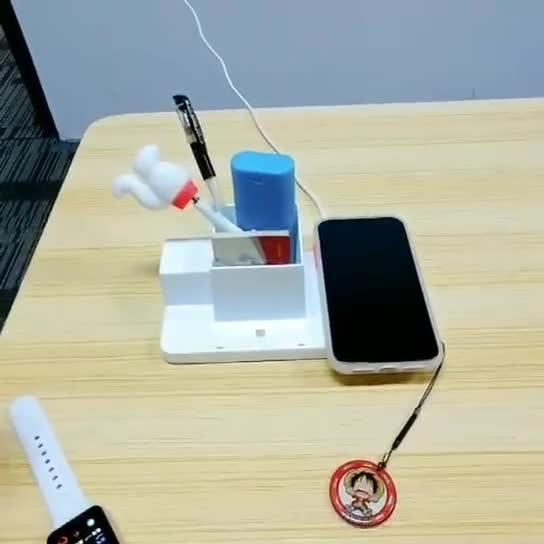 2020 Trending Wireless Charger Wireless USB Charging Wireless Charger Docking Station 4 in 1 Multi Phone Charging Station