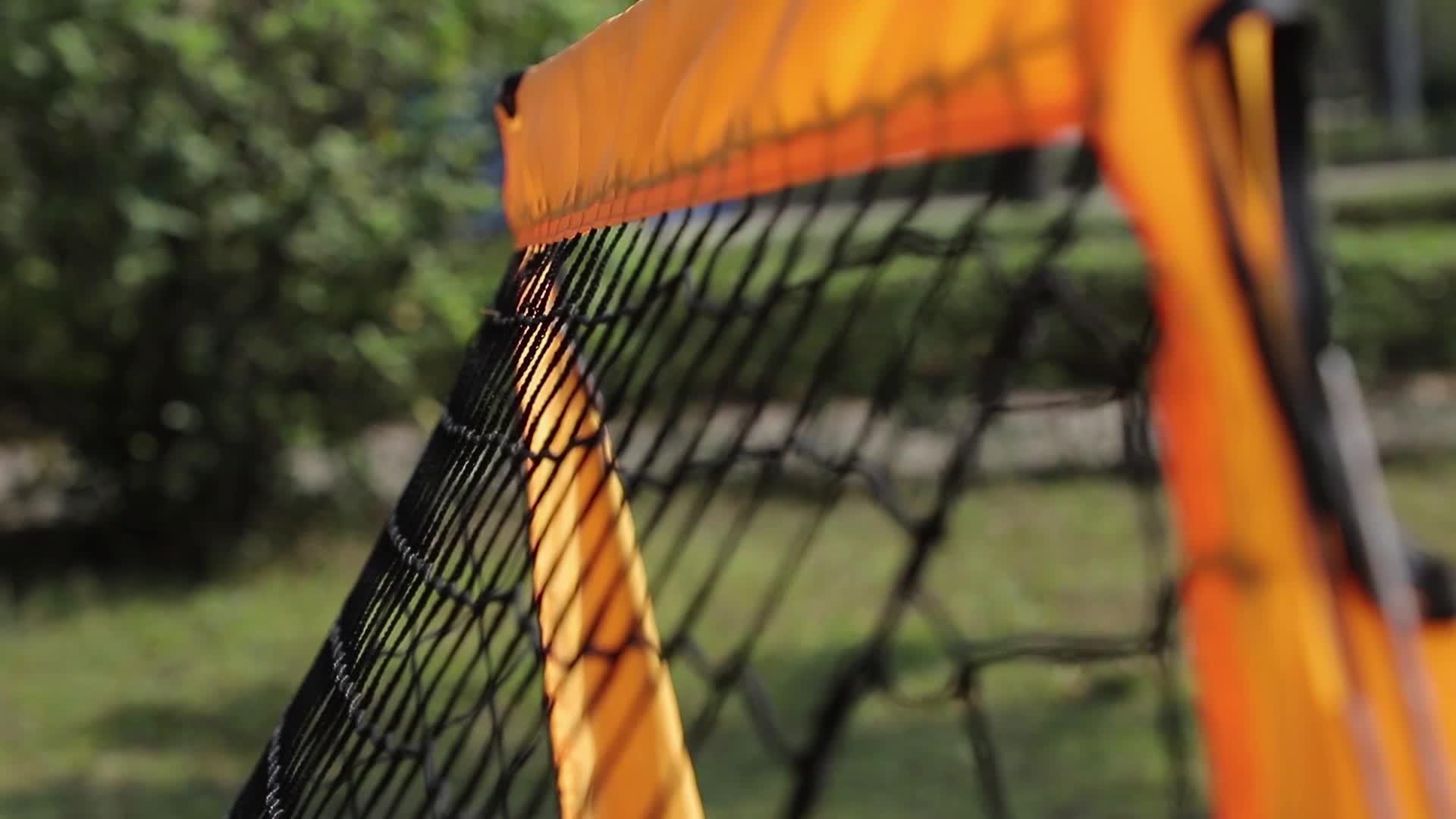 Barato Portátil Esporte Floorball Rebounder Dobrável Net 4FT Trem Futebol Gol De Futebol