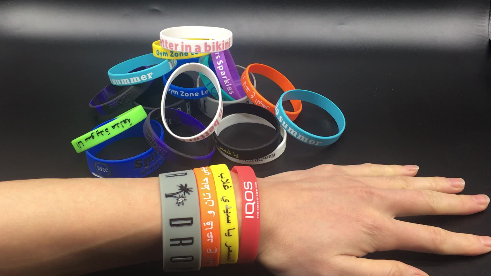 New Item Manufacturers Selling Custom Silicone Wrist Band, Cheap Debossed Color Fill in Silicone Wristband with Your Logo
