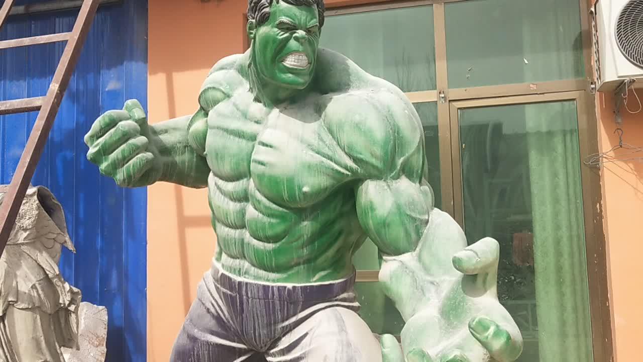 Park decoration resin cartoon movie fiberglass life size hulk statue