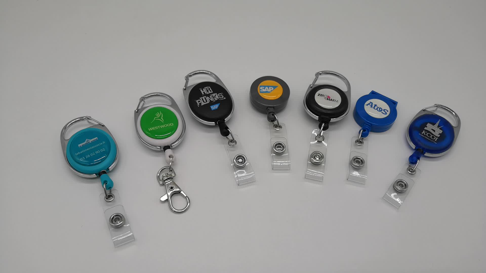 Grosir multi-gaya yoyo carabiner retractable id badge holder gulungan tarik