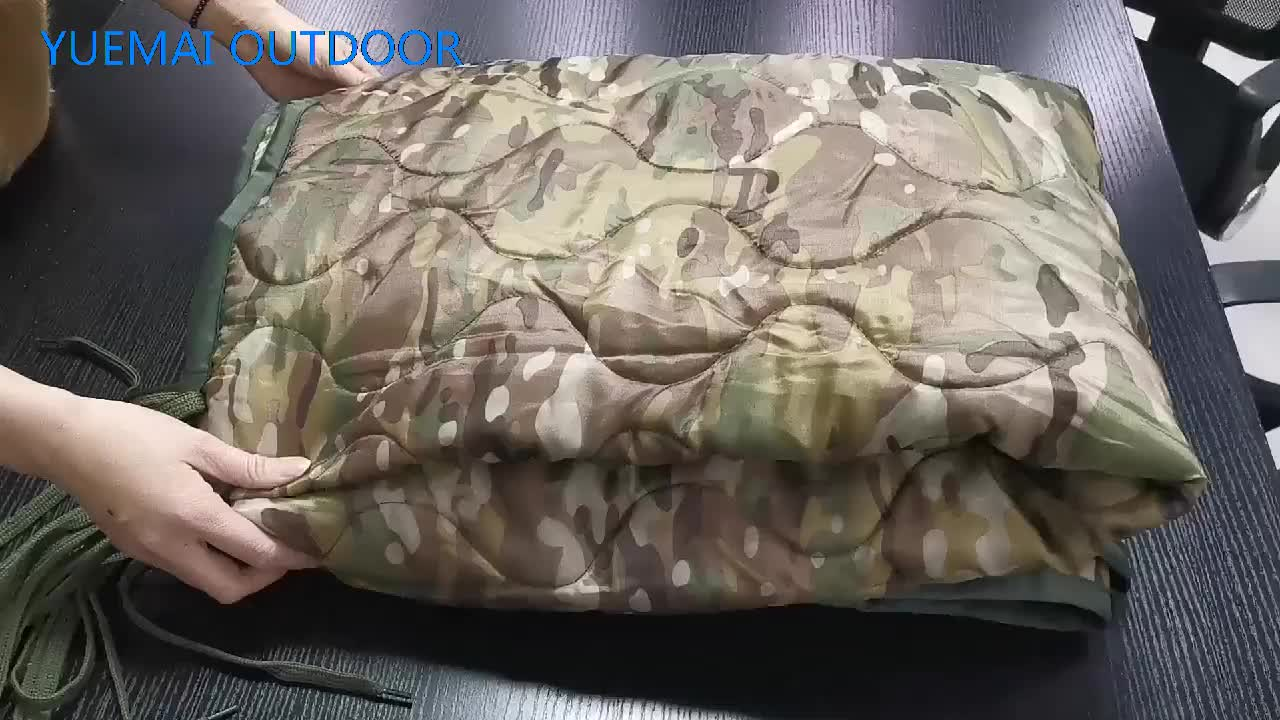 Wholesale Factory Water resistant  quilted blanket light weight military  poncho liners