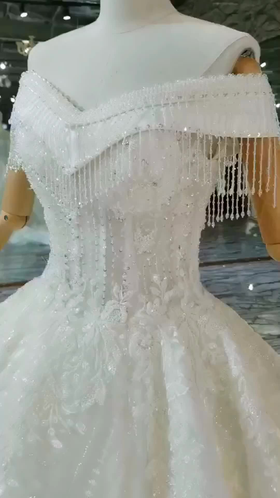 Crystal Tassels Ball Gown Wedding Dresses Sweetheart with Cap Sleeves High Quality Lace Wedding Bride Gown
