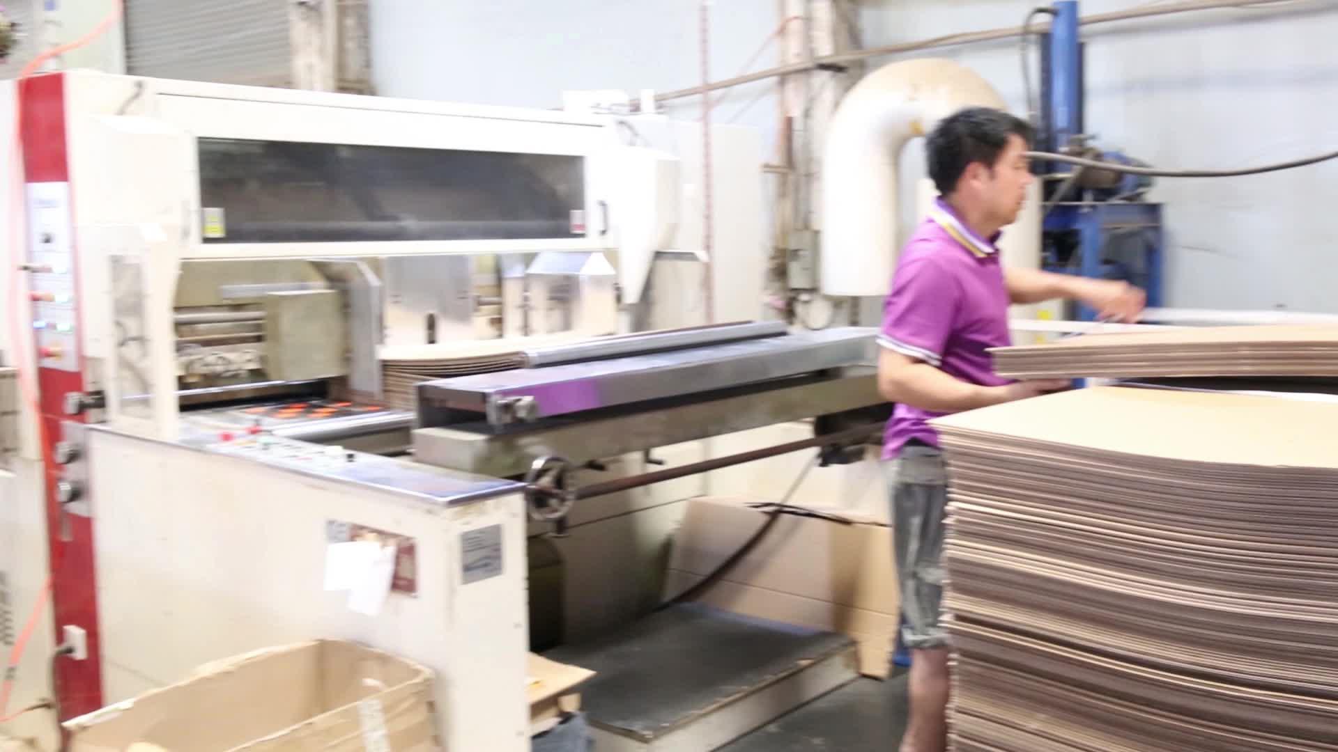 थोक कारखाने अनुकूलित लोगो नालीदार मुद्रित मेलिंग पैकेजिंग शिपिंग दफ़्ती बक्से