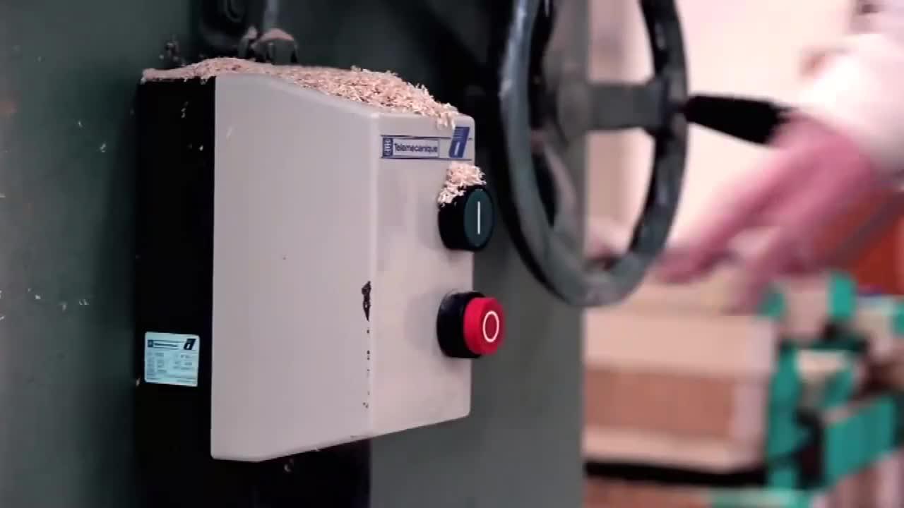 Kostenlose probe dekoration speicher massivholz wein rack auf die schreibtisch