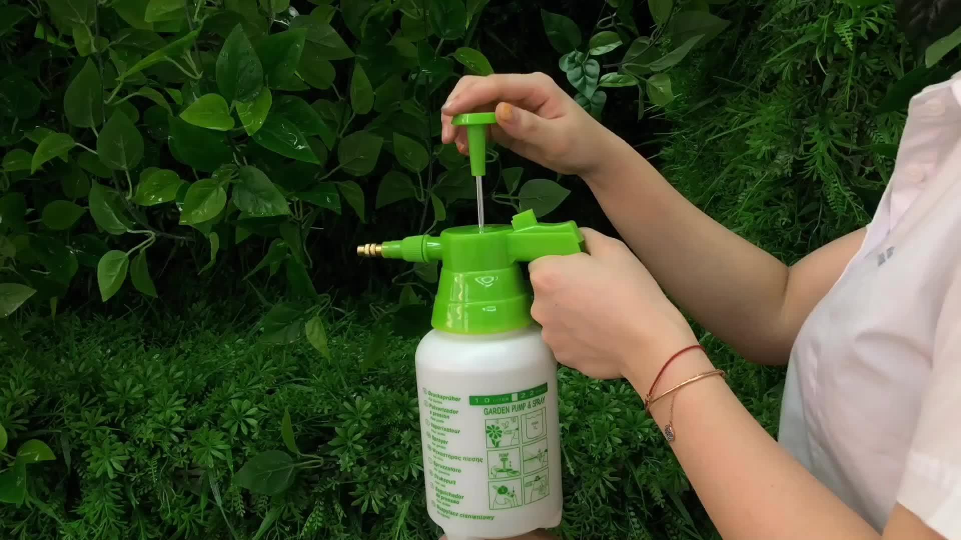 Seesa hot sale garden portable plastic hand pump sprayer 1l With brass nozzle