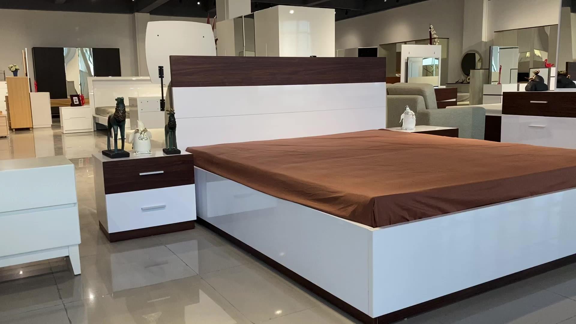 أثاث غرفة نوم رائجة البيع MCAA003 مجموعات غرفة نوم الميلامين مع سرير ملكي