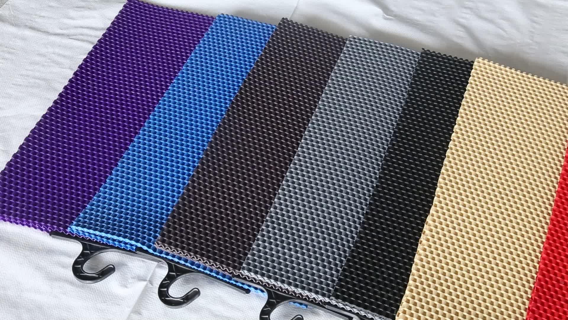 ユニバーサル快適なカーペット卸売pvcチェーン車のフロアマットプラスチック床マットロール