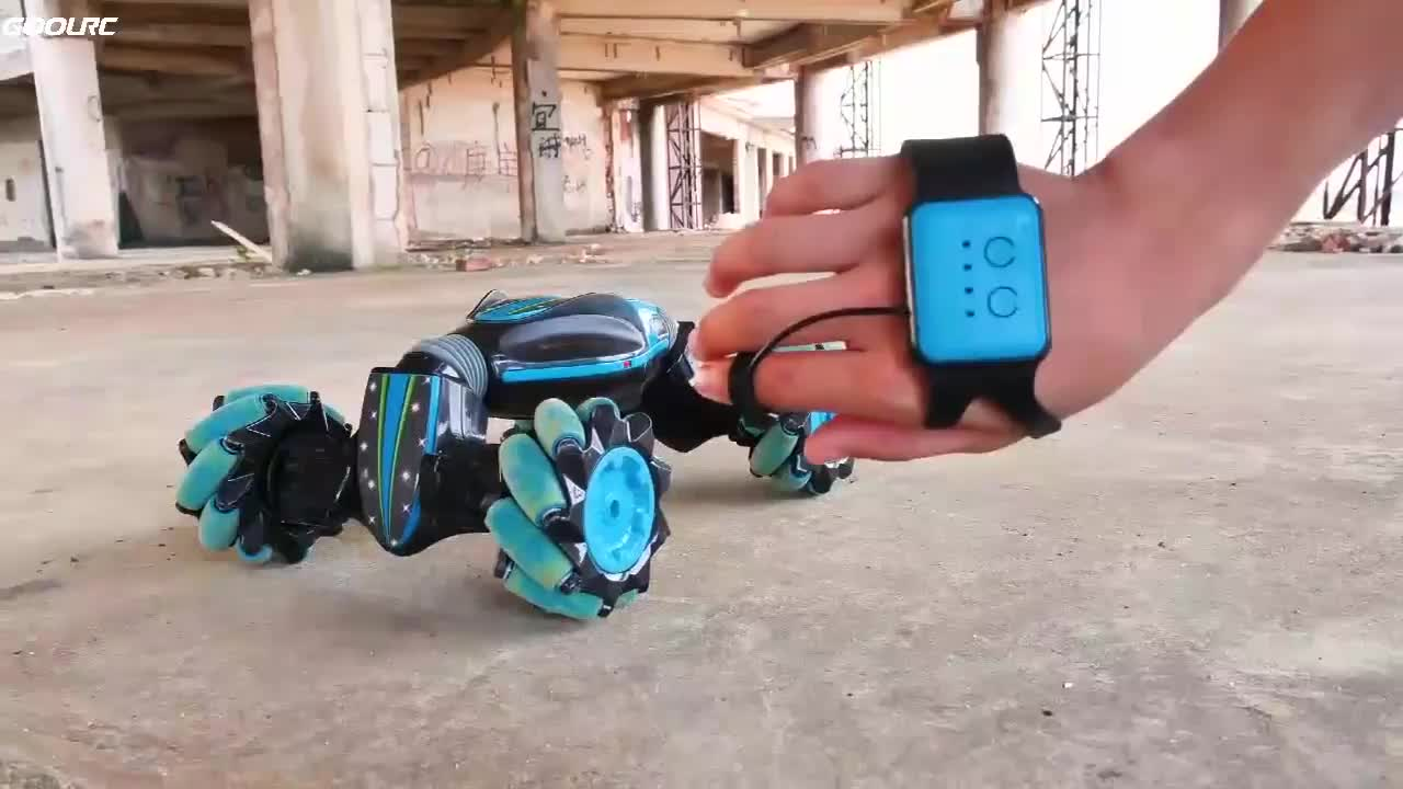 2020 Newest Gesture sensing Watch Control Off Road deformable Rc Toy Car Climbing Stunt Car With Flashing Light Music