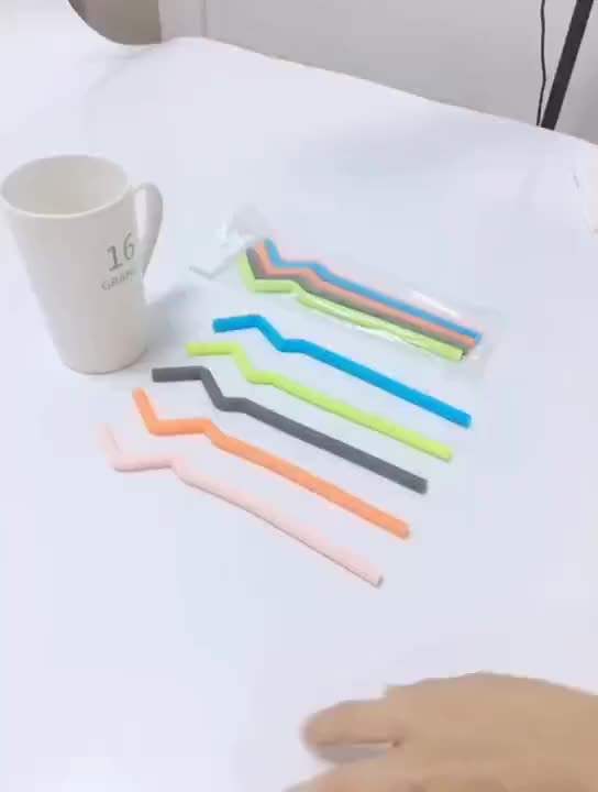 Detachable recyclable folding foldable eco friendly collapsible drinking reusable silicone straw