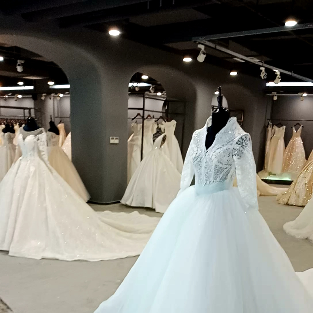 Lace White Color 3/4 Sleeve Princess Puffy Tulle Wedding Ball Gown Bridal Dress For Ladies Women