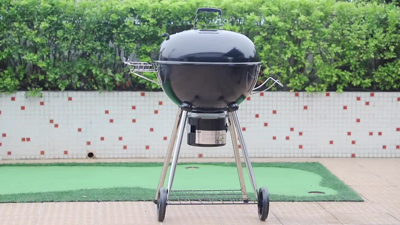 22 Inch Outdoor Garden Black Easy to Move Two Wheels Charcoal grill Kettle BBq
