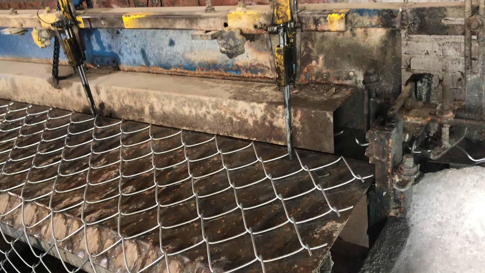 Anping Taiye manufacture supply Chain Link Fence in iron wire mesh