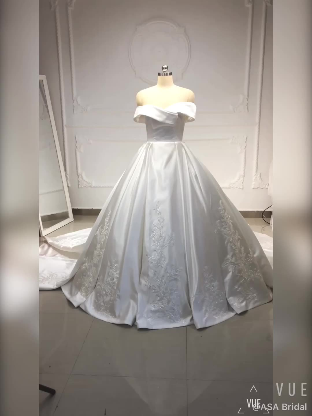 PWD-H1168 Real High Quality Satin Long Train Sweetheart Appliques Off shoulder Ball Gowns Wedding Dresses