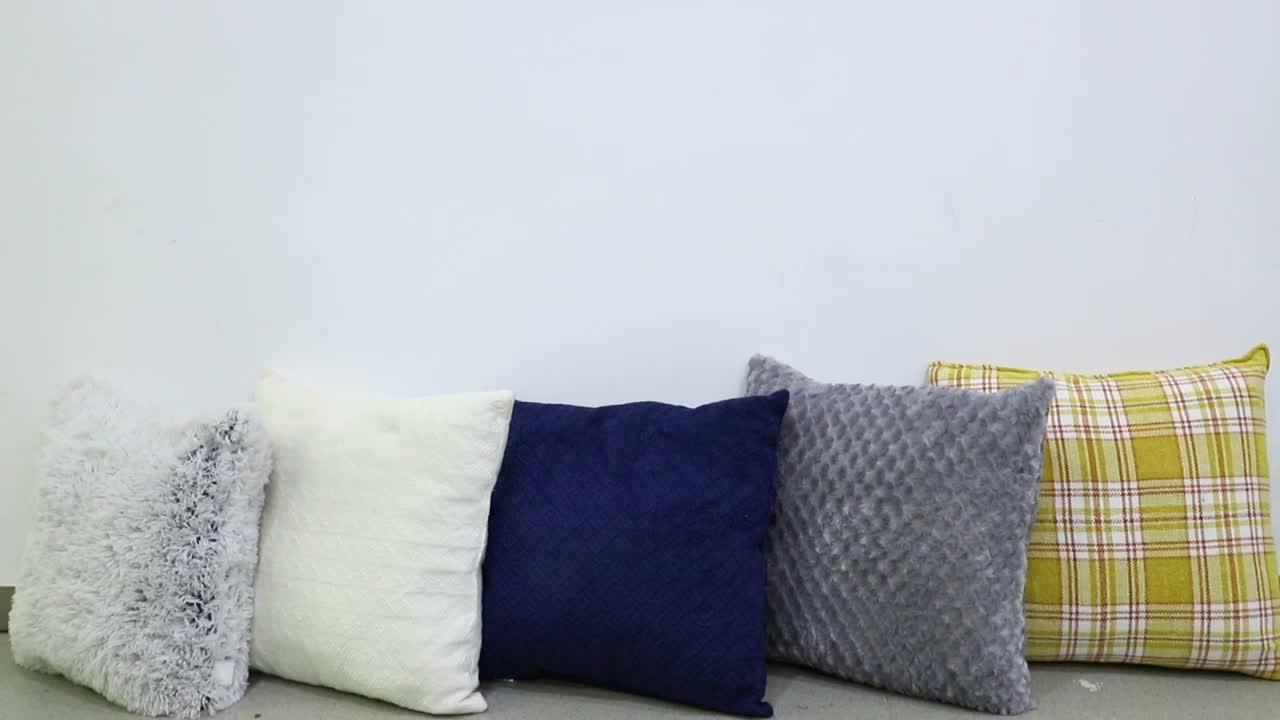 Diamond brushed P-V fleece cushion, solid fake fur cushion, fashionable P-V fleece cushion