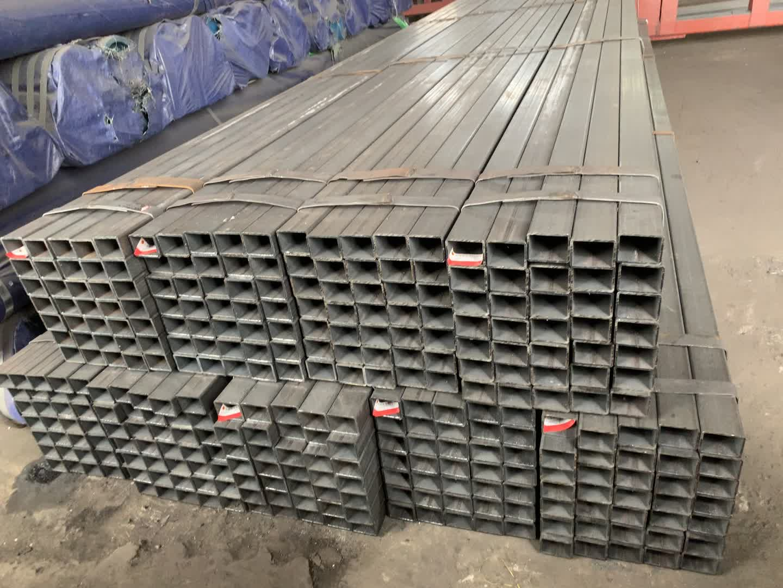 Düşük Fiyat Büyük Stok Sıcak daldırma GALVANİZLİ ÇELİK BORU/dikdörtgen çelik boru boru 15mm çap Q345