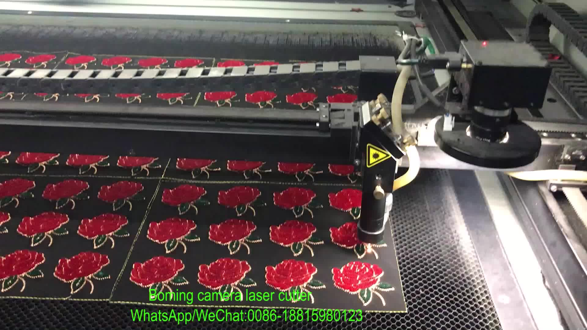 Jakarta Agent Handelsmerk Label Patroon 3d Cnc Mini Draagbare CO2 Ccd Vision Laser Cut Sticker Machine Voor Verkoop