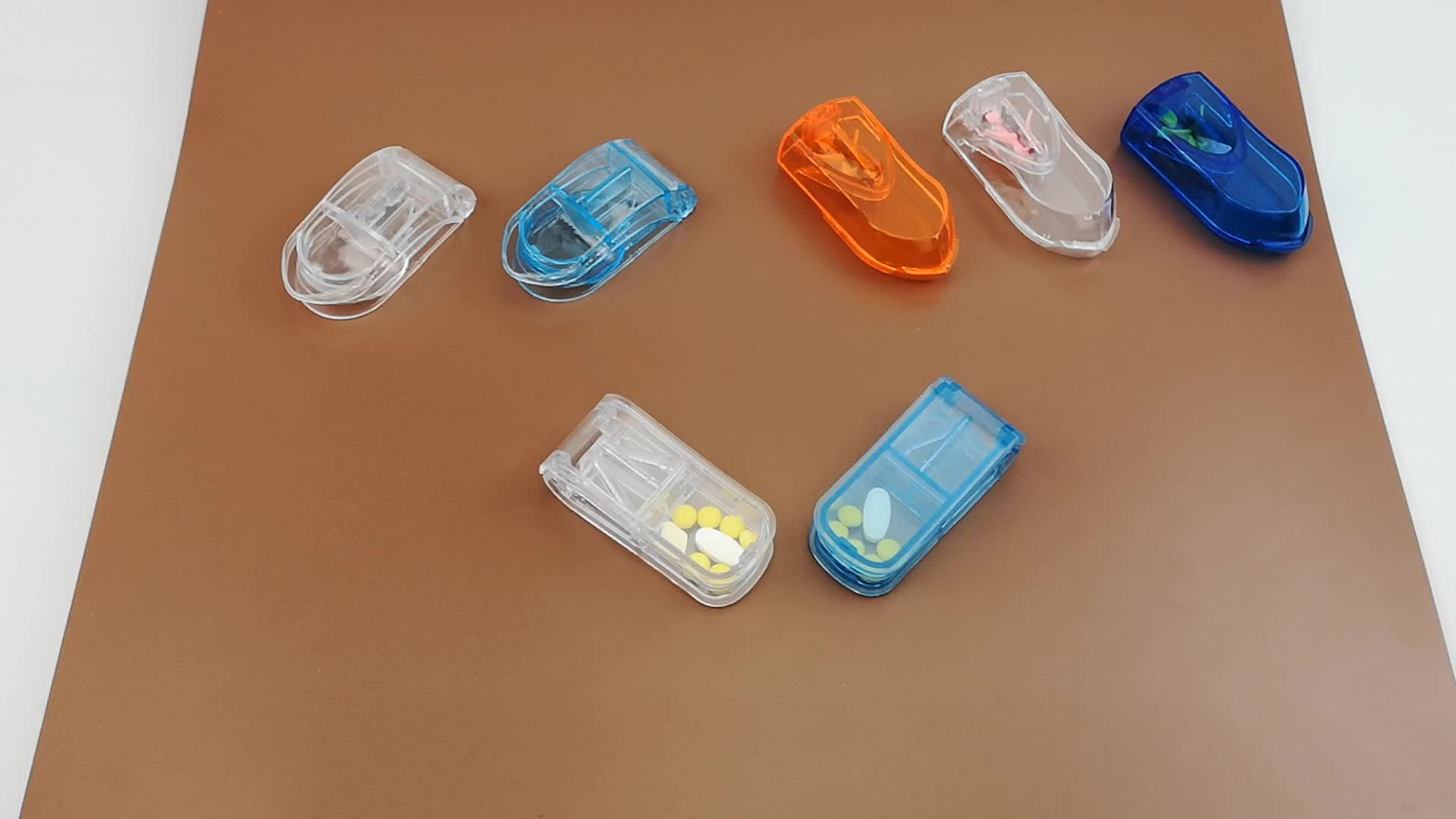 De plástico tablet trituradora cortador de caja de la píldora newcare soporte de acero inoxidable cápsula mini pastillero pequeño divisor con metal