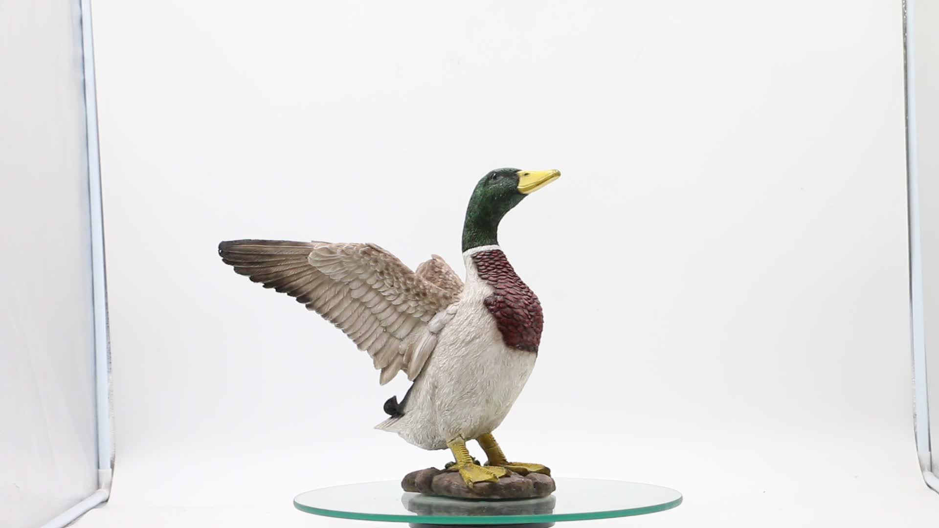 Life like garden decoration fiberglass mallard statue extending wings resin duck figurines