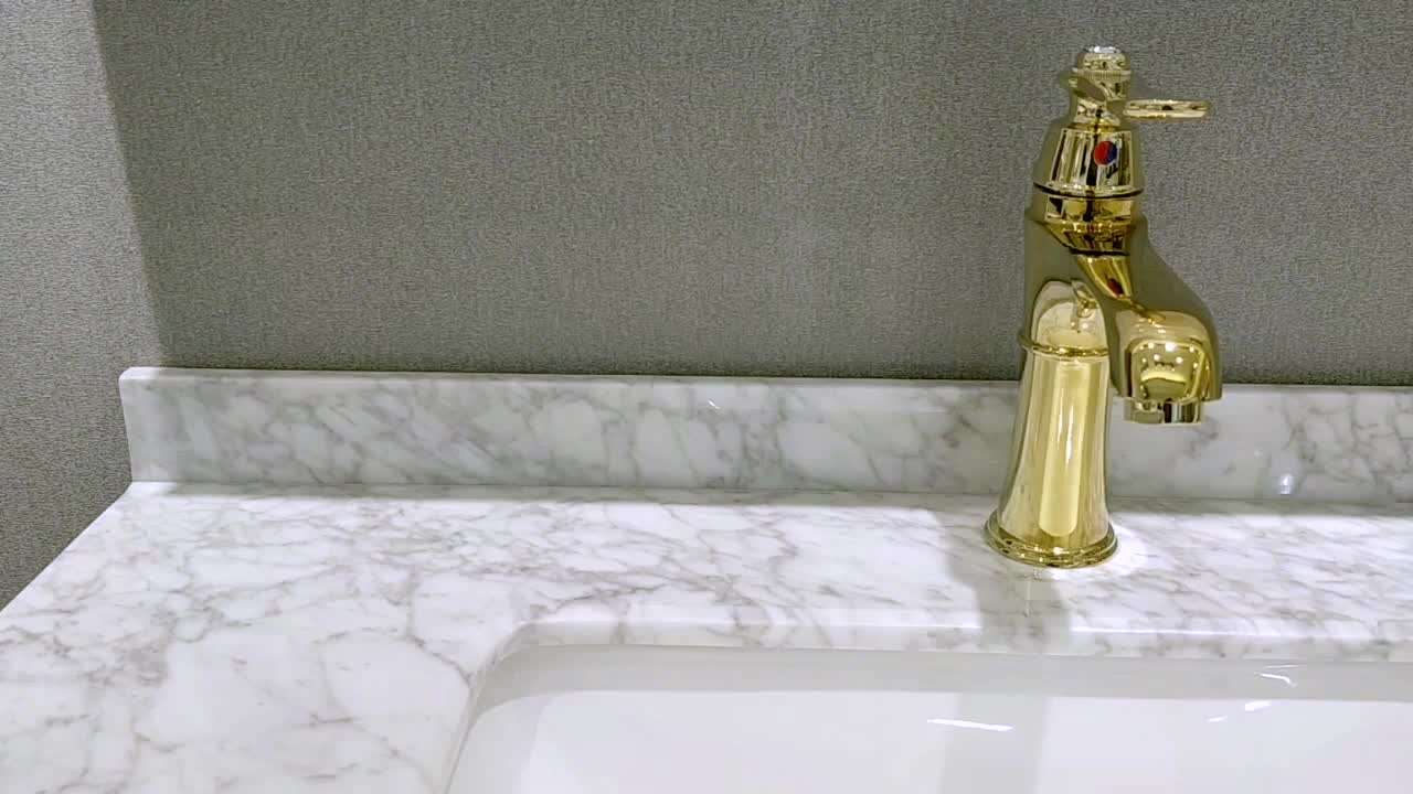 chinese custom made plumbing materials wc water saver movable heating water gold tap set
