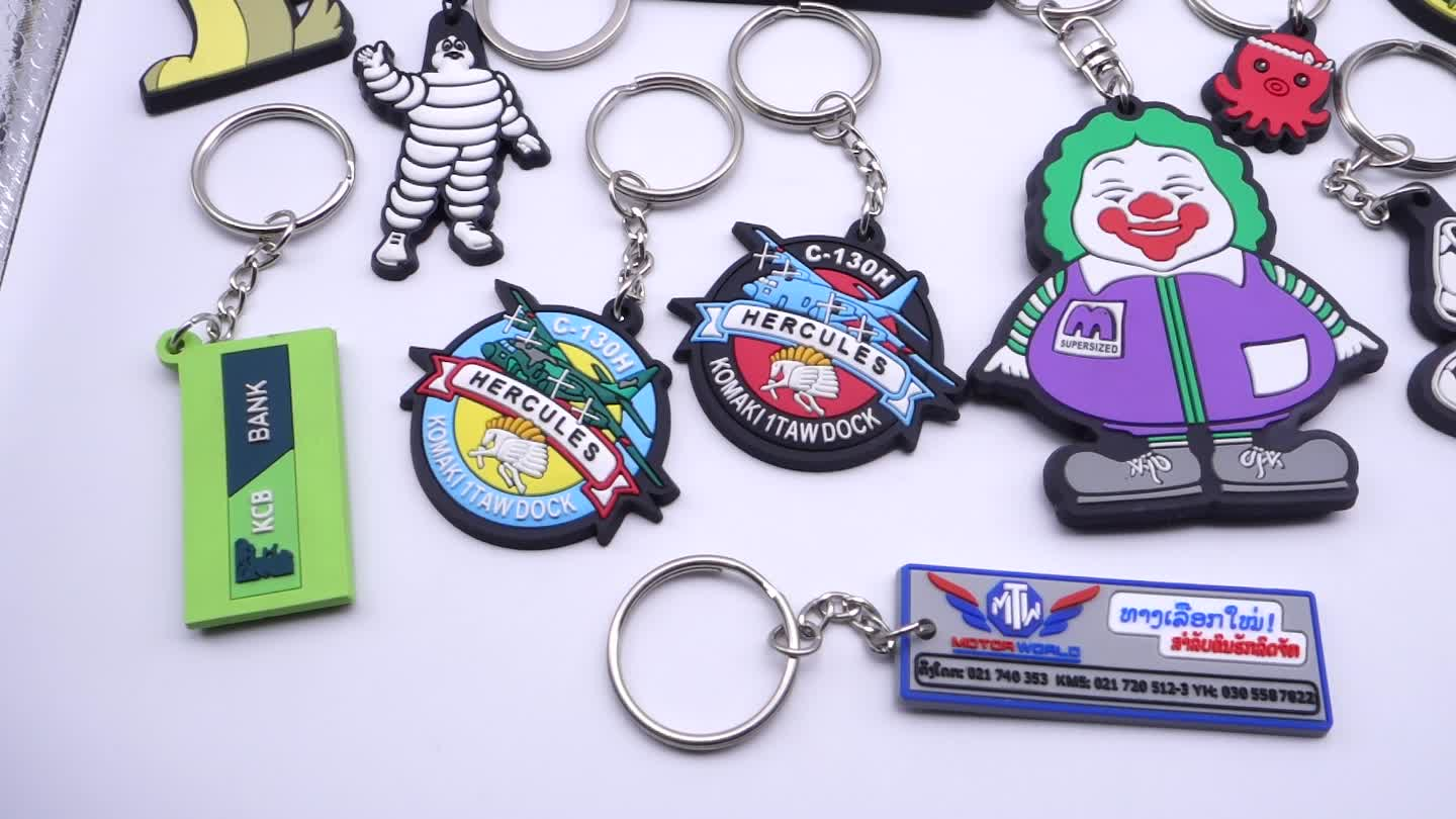 Custom high-end 3d soft pvc rubber keychain with your own design/keychain pvc 3d with metal reflective key ring