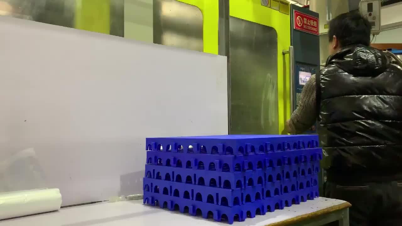 2 กิจกรรมขนาดใหญ่ที่ดีที่สุดราคา modular พลาสติกอุตสาหกรรมชั้นกระเบื้องเสื่อน้ำมันเคลือบเงาเสื่อพรมบังคลาเทศลามิเนตลื่นไวนิล