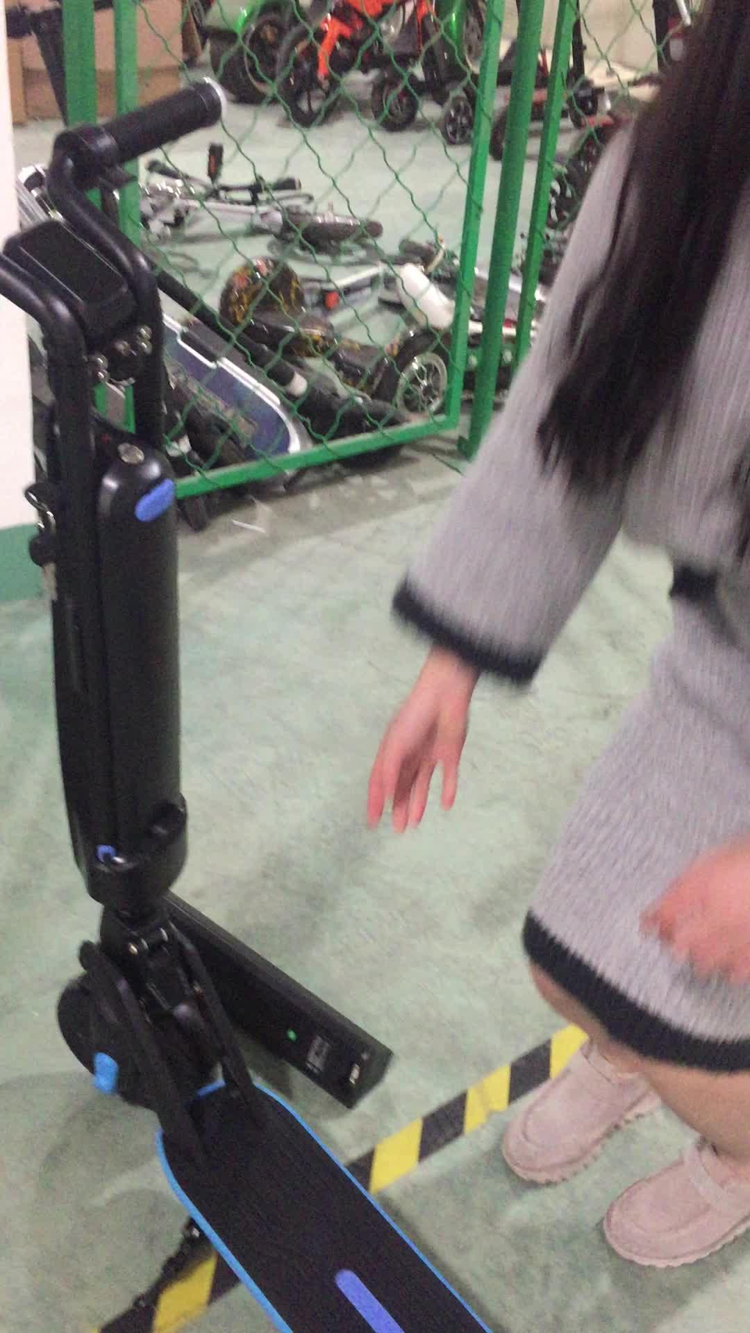 Di massa in piedi electrica elektric electro scooter